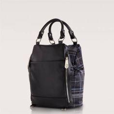 Carpisa női háti-és kézitáska, OASI V2 Leather Backpack, Backpacks, Fashion, Moda, Leather Book Bag, Fashion Styles, Leather Backpacks, Fasion, Backpack