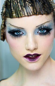 2009 F/W beauty Emma Macaren #Dior #Galliano #Pat McGrath
