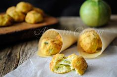 Polpette di patate ricotta e zucchine facili e saporite, idea per pranzo o cena in poco tempo, cotte al forno o in padella, morbidissime, con ripieno di formaggio