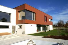 Bauherr: Familie Scheutz Projekt: Wohnhaus Leistung: Generalplanung Fertigstellung: 2009