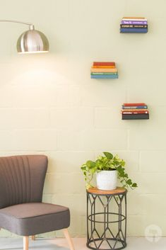Save space and create a cosy library feel with these minimalist anti-gravity bookshelves! You won't believe how simple it is to create this look. All you need are a handful of items - most of which will be in your home. Floating Bookshelves, Anti Gravity, All You Need Is, Space Saving, Cosy, Minimalist, Create, Simple