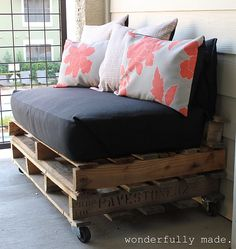 Outdoor Pallet Bench - for the front porch