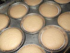 Receita de Brevidade de maisena - Tudo Gostoso Churros, Cupcakes, Cupcake Cakes, Gluten Free Recipes, Vegetarian Recipes, I Chef, Food Obsession, Small Cake, Vanilla Cake