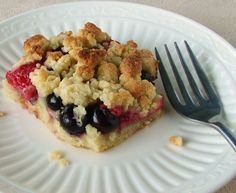 Berry Shortbread Crumble (GAPS/Paleo)  #TheSourPathistheSweetest