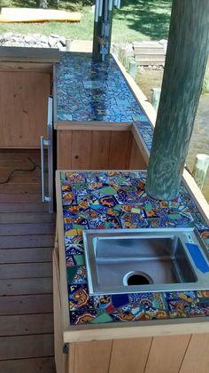 Creating Mosaic Countertop Tips Mosaic Wall Art, Mosaic Diy, Mosaic Garden, Mosaic Crafts, Mosaic Projects, Tile Art, Mosaic Glass, Craft Projects, Patio Tiles