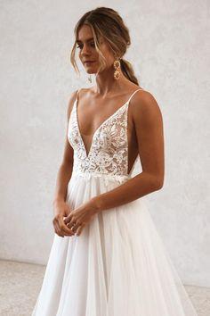 Cute Wedding Ideas, Wedding Goals, Perfect Wedding, Wedding Inspiration, Plan My Wedding, Dream Wedding Dresses, Sleeveless Wedding Dresses, Simple Wedding Gowns, Formal Dresses