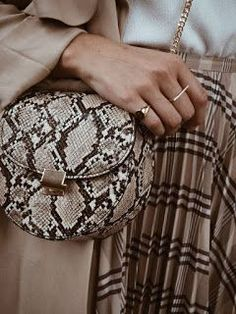 The Lemon Drop by Privileged Sammy Tan Multi Snake Print Circle Purse is a chic accent to your night out look! Big Fashion, Fall Fashion Trends, Autumn Fashion, Fashion Pics, Winter Trends, Fashion Outfits, Rock Style, Python, Dr. Denim