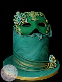 Carnival Cakers collaboration by Galina Duverne - Gâteaux Sur Mesure Paris Masquerade Cakes, Masquerade Theme, Masquerade Ball, Carnival Cakes, Paris 3, Fantasy Cake, Green Cake, Cake Wrecks, Dessert Decoration