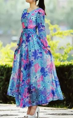 Floral Print Sleeved Maxi Dress Only suits certain skin tones. Check out if this suits you. Duchess Fashion: Malaysia Online Clothes Shopping: Long Sleeve Maxi