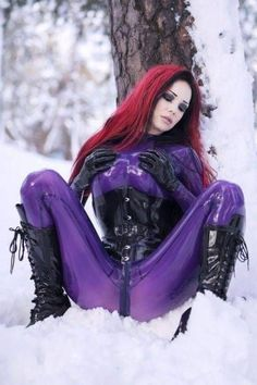 Redhead in purple latex catsuit in the snow Cyberpunk Girl, Goth Beauty, Latex Catsuit, Sexy Latex, Latex Girls, Latex Fashion, Gothic Girls, Leather And Lace, Underwear