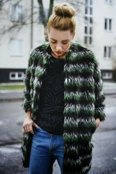 How to Chic: FUR COAT