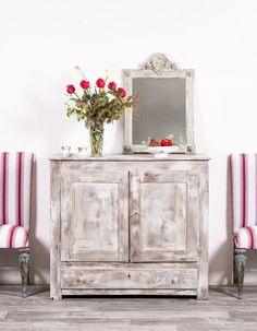 Cómoda vasca antigua.  Data de finales de siglo XIX. Realizada en madera maciza de roble.  #mesa #rustico #estilo #tendencia #mueble #casa #hogar #decoracion #diseño #interior #restauracion #reciclado #comoda #dormitorio Home Interior, Cabinet, Storage, Furniture, Home Decor, Refurbished Furniture, Dining Room Furniture, Antique Furniture, Decorating Rooms