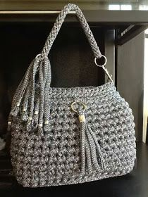 Crochet bag zpagetti diy New ideas Crochet Clutch Bags, Free Crochet Bag, Crochet Handbags, Crochet Purses, Crochet Bags, Yarn Bag, Knitted Bags, Loom Knitting, Handmade Bags