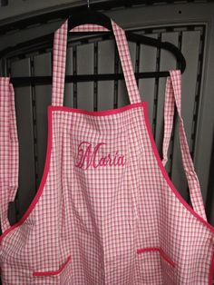 Handmade apron with personalization. Great gift to give. Bbq Apron, Chef Apron, Great Gifts, Plaid, Trending Outfits, Handmade Gifts, Pink, Crafts, Etsy
