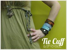 lovin' these little tie cuffs. I think I could have some fun with these.