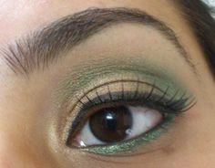 Golden Green festive eyes- My first eye makeup tutorial :) @ http://www.stylecraze.com/blogs/golden-green-festive-eyes-my-first-eye-makeup-tutorial/
