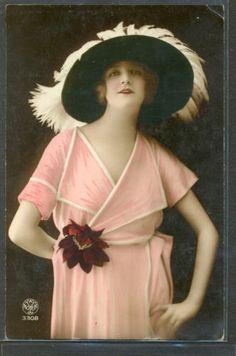 LR198-ART-DECO-FEMME-MODE-CHAPEAU-a-PLUMES-FEATHER-HAT-FASHION-LADY-PHOTO-dART