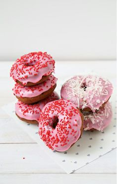 pink cake dOughnuts