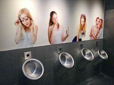 No me mires!!! 3 Restaurant Bathroom, Pub Sheds, Bathroom Humor, Bathroom Ideas, Best Pubs, Graffiti Murals, Guerilla Marketing, Stage Set, Restaurant Interior Design
