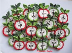 Crochet apples, free crochet pattern