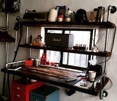 책상도 만들고 다 컸네 허승우 #책상 #선반 #가구 #테이블 #diy #셀프가구 #파이프가구 #furniture #table #desk #shelf #rack  #pipefurniture #인더스트리얼 #industrialdesign #industrial by maatsupplyco