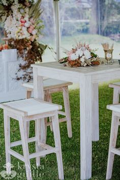 Add that bit of class to your wedding or event with our white washed cocktail table and stools.