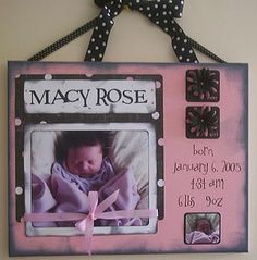 Birth Announcement Photo Craft Idea super cute idea for all my pregnant friends. Diy Arts And Crafts, Cute Crafts, Paper Crafts, Photo Projects, Craft Projects, Craft Ideas, Scrapbook Canvas, Baby Scrapbook, Craft Gifts