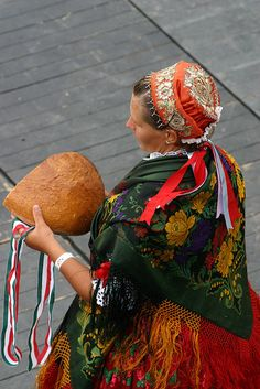 The Blessing of the Bread ceremony Hungary Folk Costume, Costumes, Saint Stephen, National Holidays, My Heritage, Traditional Outfits, Blessed, Culture, Poses