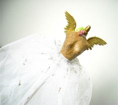 love this small dressform with the wings