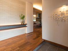 House Entrance, Entrance Hall, Japanese Modern House, Muji Home, Wall Design, House Design, Contemporary Interior Design, Decor Styles, Ideal Home