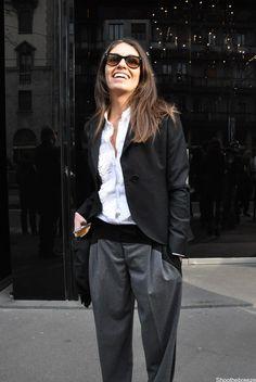 Viviana Volpicella in black