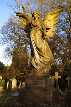 ☫ Angelic ☫ winged cemetery angels and zen statuary - Southampton Old Cemetery
