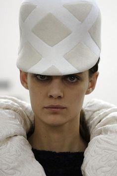 Balenciaga Fall 2006 Ready-to-Wear Fashion Show Details