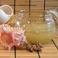GINGER & CITRUS BODY SCRUB - The exotic aroma of this scrub is intoxicating.