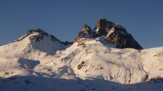 Peyreget (2483 metros) y Midi d'Ossau (2884 metros)