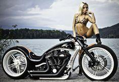 http://cyrilhuzeblog.com/wp-content/uploads/thunderbike1.jpg