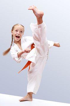 Karate Picture, Karate Photos, Shukokai Karate, Marshal Arts, Mixed Martial Arts, Art Reference Poses, Muscle Mass, Health Fitness, Batman