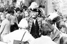 Rodaje de 'Las aventuras del barón Munchausen', en 1987.El pueblo viejo de Belchite, uno de los escenarios preferidos para grabaciones de cine y televisión