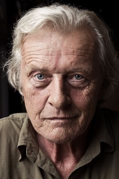Rutger Hauer by Alessio Pizzicannella. Oh what a hunk in Ladyhawke Dutch Actors, British Actors, Foto Glamour, Rutger Hauer, Cinema Tv, Fritz Lang, Actrices Hollywood, People Of Interest, Celebrity Portraits