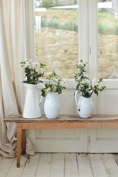 ♡♡ white flowers and jugs