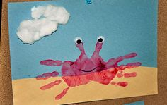 Basteln im Vorschulalter für Kinder *: Summer Handprint Crab Craft Daycare Crafts, Classroom Crafts, Toddler Crafts, Preschool Crafts, Toddler Art, Beach Theme Preschool, Infant Crafts, Preschool Kindergarten, Projects For Kids