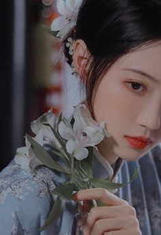 Princess Aesthetic, Aesthetic Girl, Chinese Wedding Dress Traditional, Harem Girl, Pretty Pictures, Pretty Pics, Girly Drawings, China Girl, Beauty Shoot