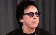 Peter Criss. O músico do grupo Kiss é um exemplo de que o cancro da mama não escolhe sexos.