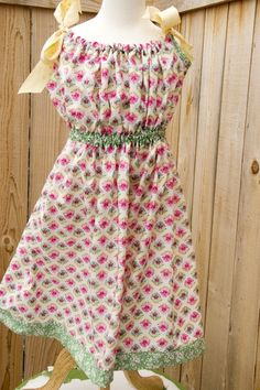 EASY pillowcase dress! I would wear mine over sleeves because I like that look :) | Projects for Me - Skirts and Dresses | Pinterest | Vintage pillow cases ... & EASY pillowcase dress! I would wear mine over sleeves because I ... pillowsntoast.com
