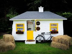 Meet The Shebeen, an Irish pub on wheels that's turning small space into a big business.