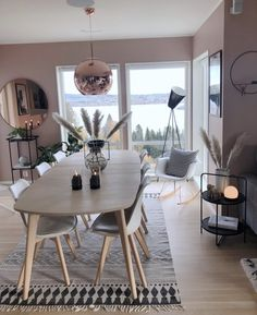 home sala Tolle Esszimmer-Inspiration Tolle Esszimmer-Inspiration The post Tolle Esszimmer-Inspiration appeared first on Wohnen ideen. Home Living Room, Interior Design Living Room, Living Room Decor, Bathroom Interior, Küchen Design, House Design, Design Ideas, Dining Room Inspiration, Dining Room Design