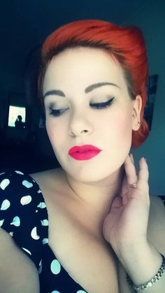 Selfie, pin up, lips, lipstick, eyes, makeup, pin up hair