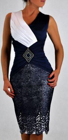 """120f8431b4 Képtalálat a következőre: """"fekete csipkés alkalmi ruhák kosztümök molett"""""""