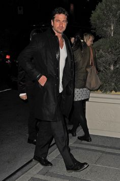 Gerard Butler Late-night visit to the Waldorf Astoria