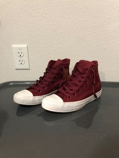 8e80921e3395 Converse Mens Chuck Taylor II All Star Hi High Top Volt Green Fit Women  150157C. See more. Maroon Worn twice In great condition Women's size 6